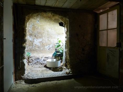 grotte-plan-large-sombre_fotor